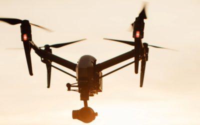 Cena za filmowanie dronem.