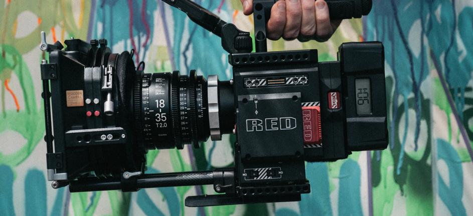 Czym różni się obiektyw fotograficzny od obiektywu filmowego